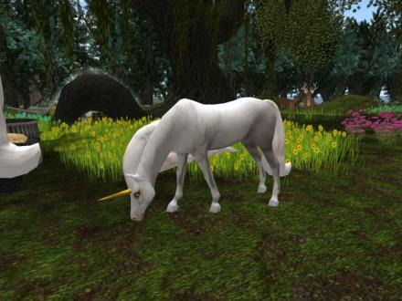 LOOK! A unicorn with a gold horn. One finally showed up for sale and I found it. Now Sandie's unicorns are properly represented in Silverwood.